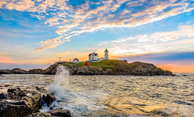 Lighthouse in York, Maine on the ocean