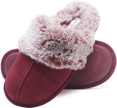Red indoor slippers for women