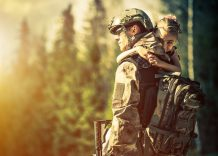 Pros and Cons of Dating a Military Man or Woman